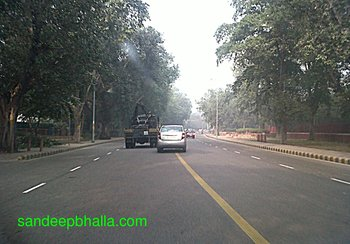 New Delhi in fog and sunsight on Jan 7 2013.